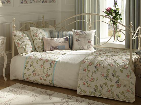 Songbird_eau_du_nil_bedroom_47x53